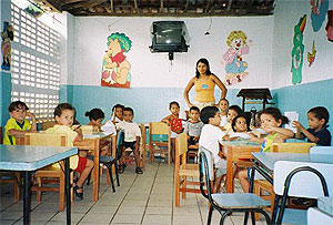 A classroom in Recife, Brazil, where volunteers from i to i work.