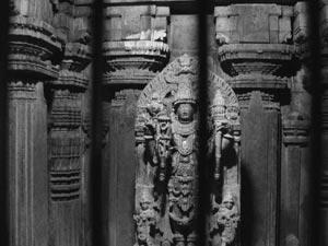 The infinite, bound: The Keshava idol at Somnathpura