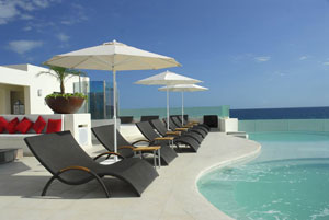 The jacuzzi lounge at Desire Los Cabos.