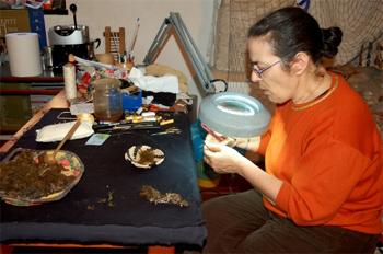 Weaving the byssus in Sardinia. photos by Angela Corrias
