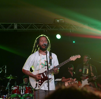 Ziggy Marley on the festival stage.