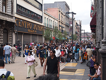 Mexico City's historic pedestrian area.  Max Hartshorne photo.