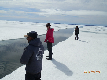 Tour group explores Arctic Canada
