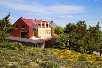 Casa das Penhas Douradas  hotel and spa in the Serra da Estrela mountains. Paul Shoul photo.