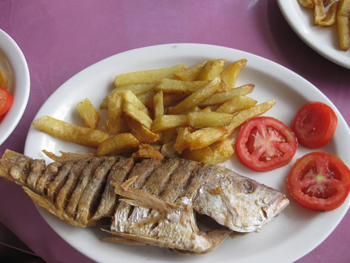 Simple fish lunch at Acuario Restaurant, Isla Taboga.