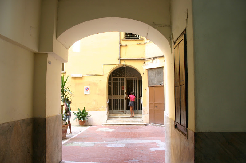 The apartment's courtyard in Rome.