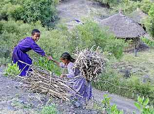 A helping hand - children in Ethiopia