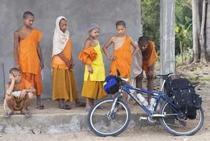 Kids in Muang Houm