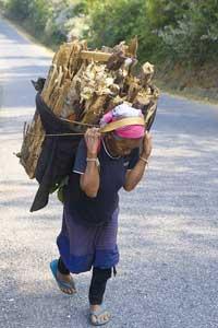 The road to Oudomxai