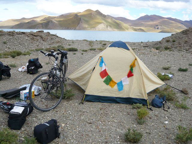 Camp at Yamdrok Lake.