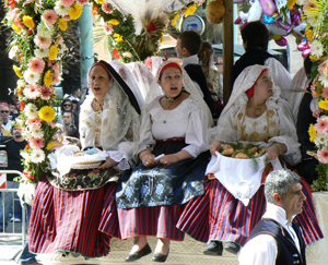 Girls in the costumes of their Sardinian village. photos by Cindy Bigras.