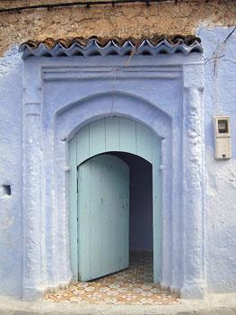 A door in Chefchouen