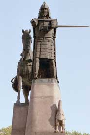 14th Century Duke Gedminas' statue stands in the plaza outside the Lithuanian National Museum. photos by Judith Longmeyer.