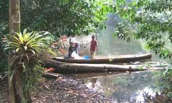 Mayan people on Rio Tatin