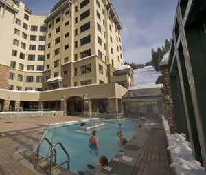 The Summit Lodge soaking pool - photo by Chuck Haney