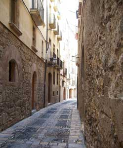 The streets have no name: The windy corridors of Tarragona's Old Town - photos by Karina Halley