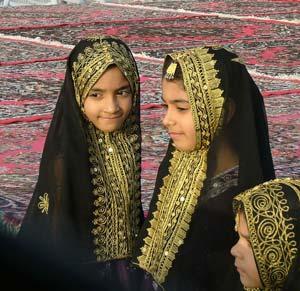 Qatari girls - photos by Ian Lemmin-Woolfrey