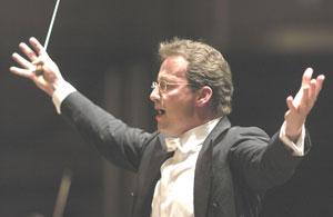 Franz Welser-Möst conducts The Cleveland Orchestra.
