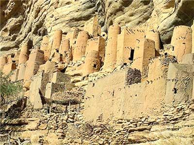 Ancient Tellem villages were built on the cliffsides
