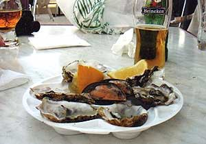 A plate of oysters at the gas-station-cum-café