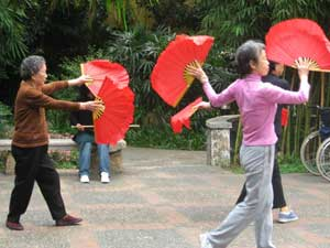 Fan dancers - Tai chi in one of the many parks