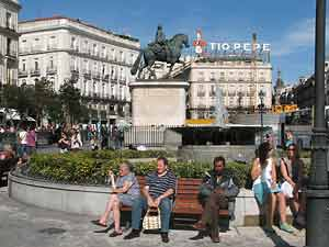 Relaxing by the Puerta del Sol