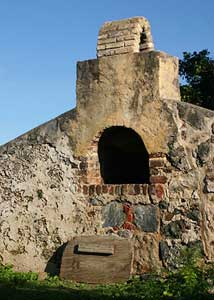 Ruins at the Annaberg Sugar Plantation on St. John - iStockphoto / Mablache