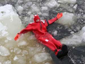 Swimming in the frozen Sea of Bothnia