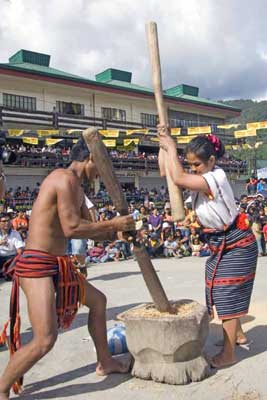 The rice pounding competition