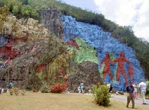 Mural de Prehistoria by Leovigildo Gonzalez