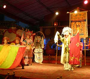 The Sichuan Opera - photos by Lucy Corne