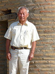 Alikhan, a former Soviet fighter pilot