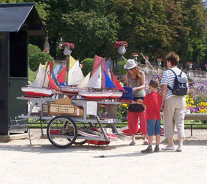 Renting sailboats at the Luxembourg Fountain