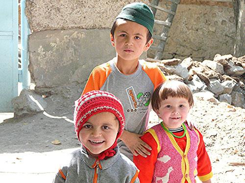 Kids in Rashnor Poyon