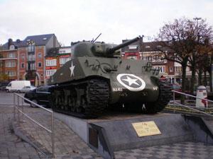 Sherman visits Bastogne