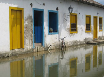 "Hightide floods (and cleans) the ancient streets of Paraty giving it the nickname ""The Venice of Brazil"""