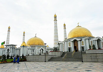 The mausoleum of President Saparmurat Niyozov