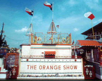 Postman Jeff McKissack created the Orange Show as a tribut to his favorite fuirt.