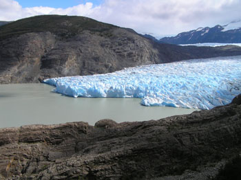 The trail north of Refugio Grey offers glorious glacier viewing.