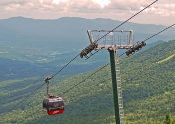 The Mount Mansfield Gondola, an eight-passenger enclosed lift hoisted us from the Gondola Barn up to the Cliff House Restaurant.