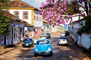 Tiradentes street scene. Paul Shoul photos.