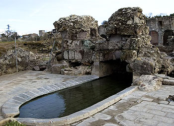 Side pool of the Roman baths, used as a spa in the leisure area