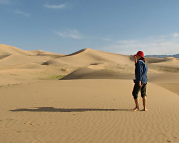 I could have spent days wandering the dunes. They were one of the highlights of Mongolia.