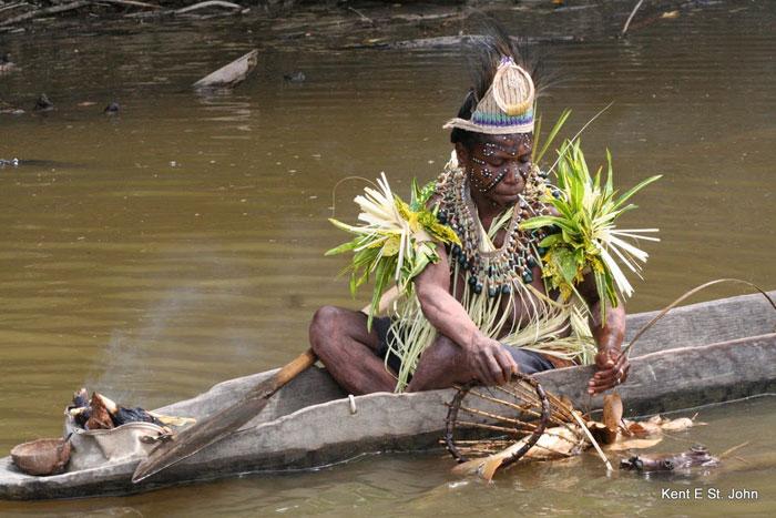 Net fishing in Papua New Guinea