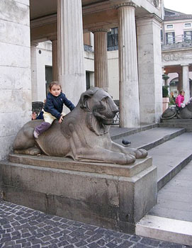 A kid meets a beast in Padua. Photos by Cathie Arquilla