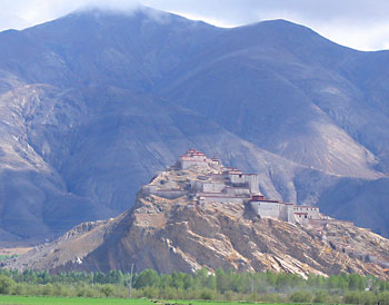 The Gyantze Dzong from a distance