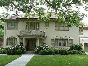 Stately home in the Fabulous Forties, Sacramento.