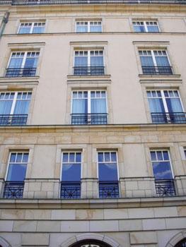 Hotel Adlon, where Jacko dangled the baby
