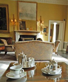 Gracious lobby life at the Merrion Hotel, Dublin