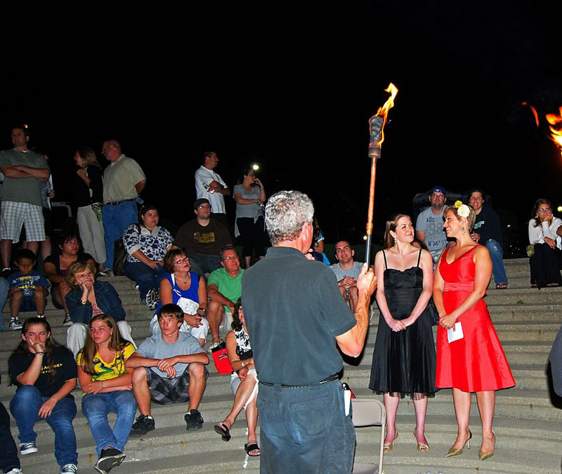 Opera singers at WaterFire Night in Providence